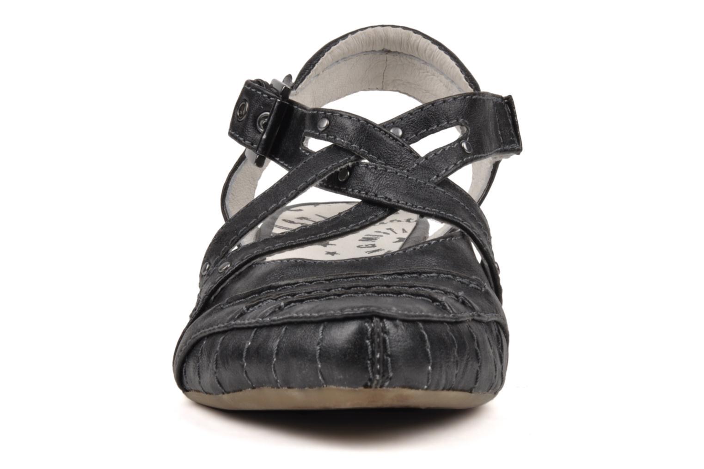 mustang shoes robe high heels in black at. Black Bedroom Furniture Sets. Home Design Ideas