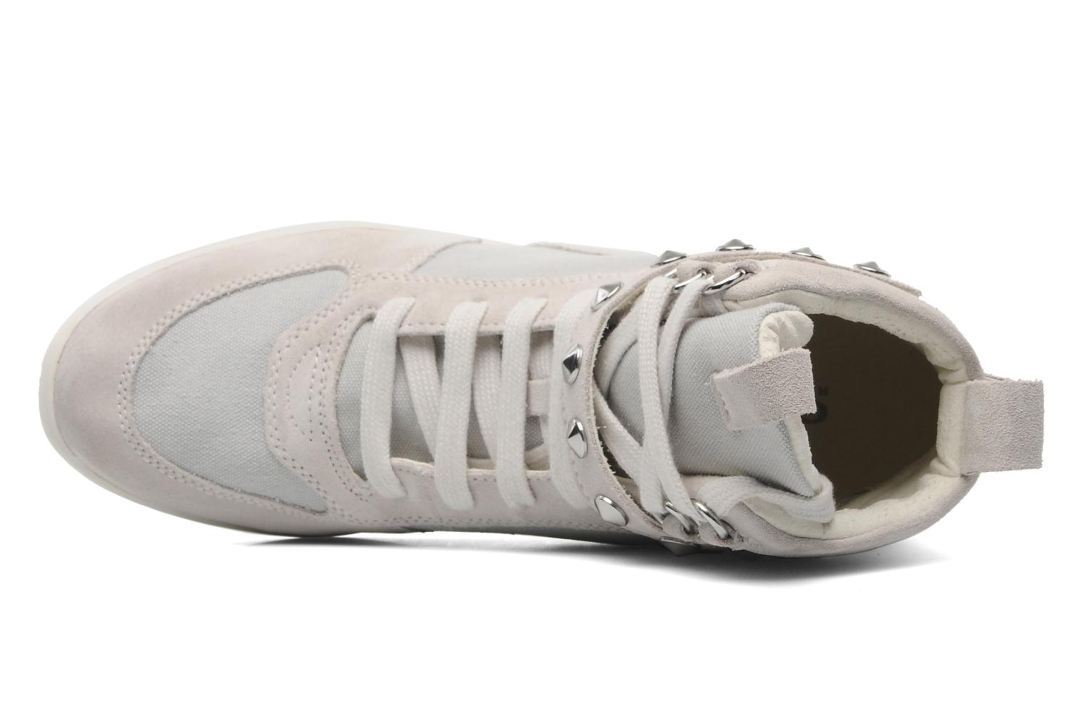 Geox D HYPERSPACE A D3427A Trainers in Grey at Sarenza.co ...