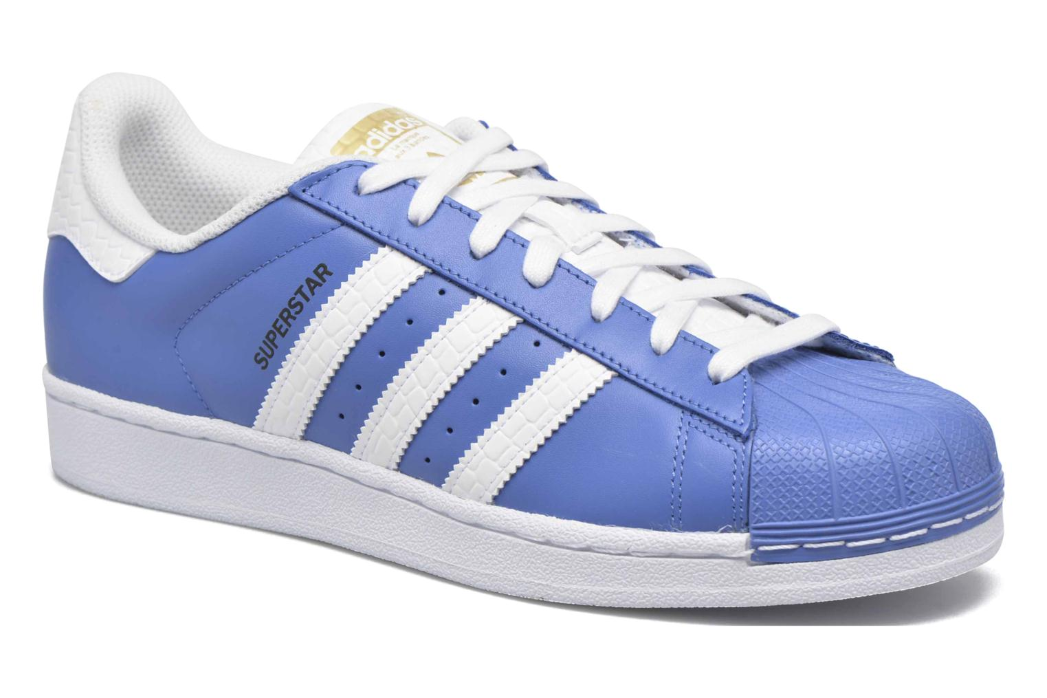 Baskets Adidas Originals Superstar Bleu vue détail/paire