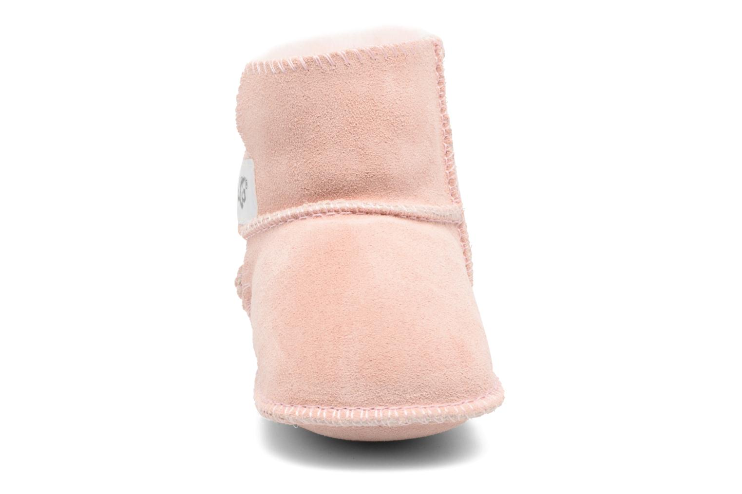 Ankle boots UGG Erin Pink model view