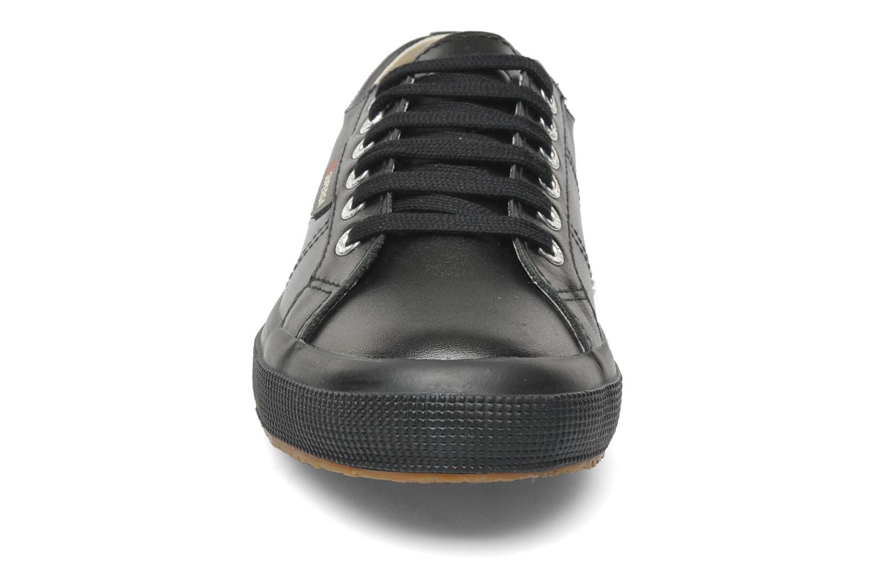 Sneakers Superga 2750 FGLU Nero modello indossato