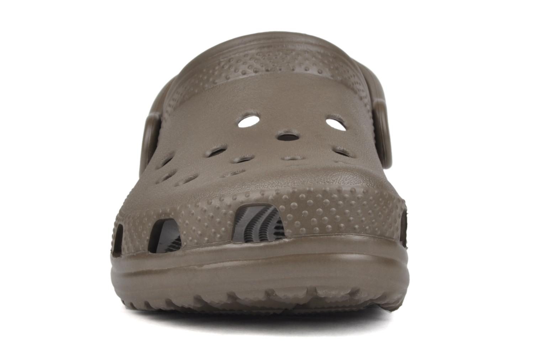 Sandaler Crocs Classic Kids Brun se skoene på