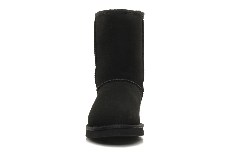 Bottines et boots UGG Classic Short Noir vue portées chaussures
