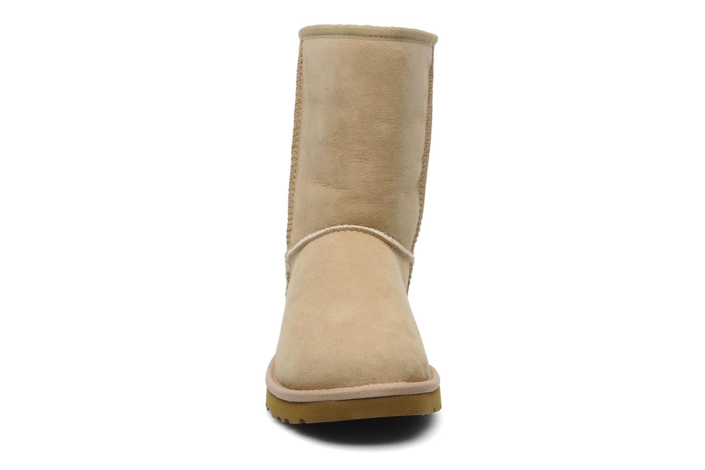 Bottines et boots UGG Classic Short Beige vue portées chaussures