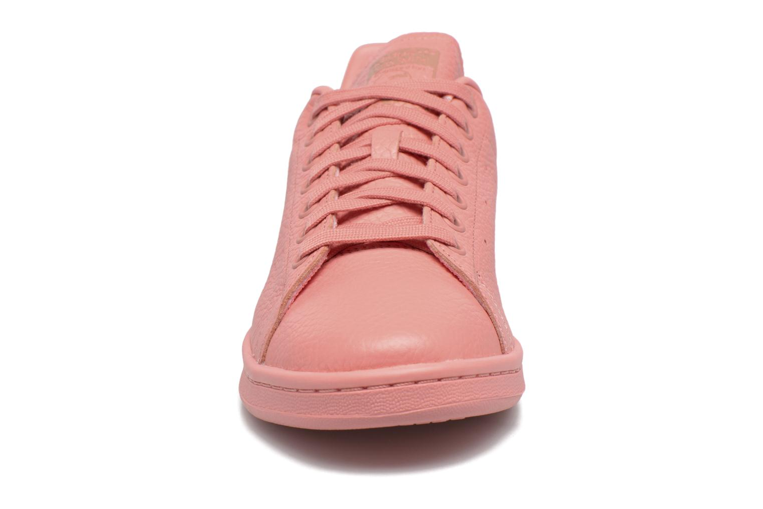 Trainers Adidas Originals Stan Smith Pink model view