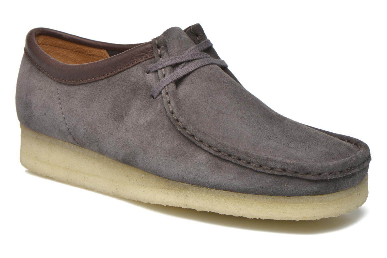 Chaussures à lacets Clarks Originals Wallabee M Gris vue détail/paire