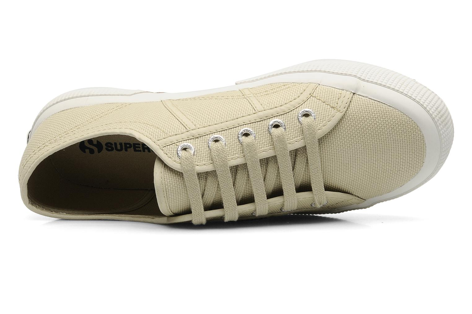Trainers Superga 2750 Cotu W Beige view from the left