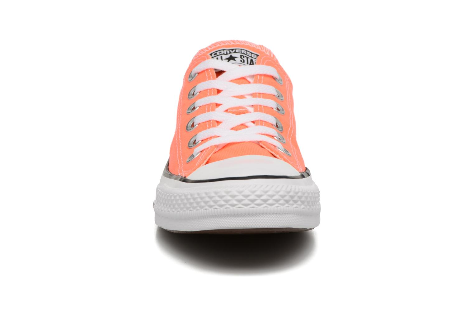 Baskets Converse Chuck Taylor All Star Ox W Orange vue portées chaussures
