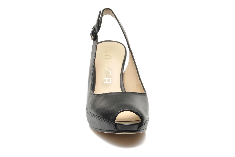 Escarpins Unisa Nick Noir vue portées chaussures