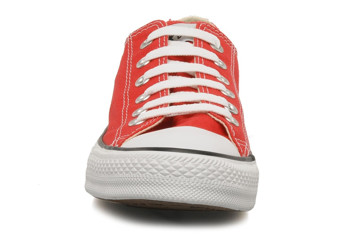 Baskets Converse Chuck Taylor All Star Ox M Rouge vue portées chaussures
