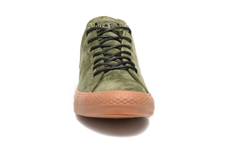 Sneakers Converse Chuck Taylor All Star Ox M Verde modello indossato