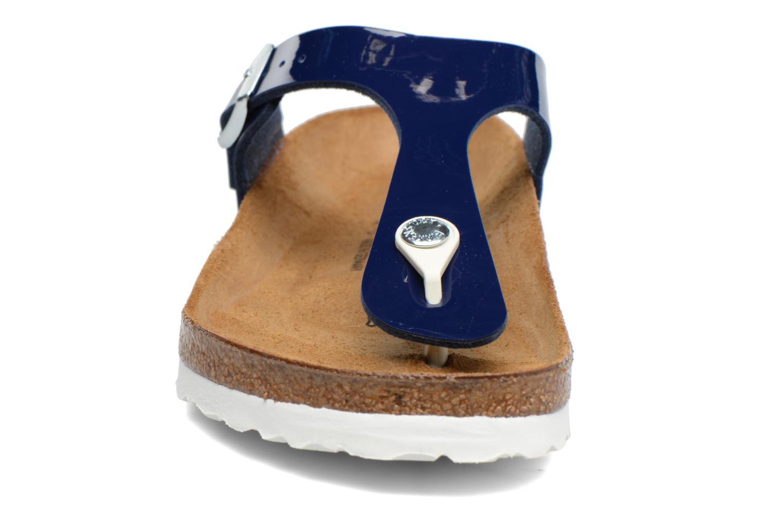 Sandali e scarpe aperte Birkenstock Gizeh Flor W Azzurro modello indossato