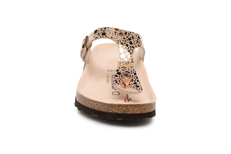Sandales et nu-pieds Birkenstock Gizeh Flor W Or et bronze vue portées chaussures