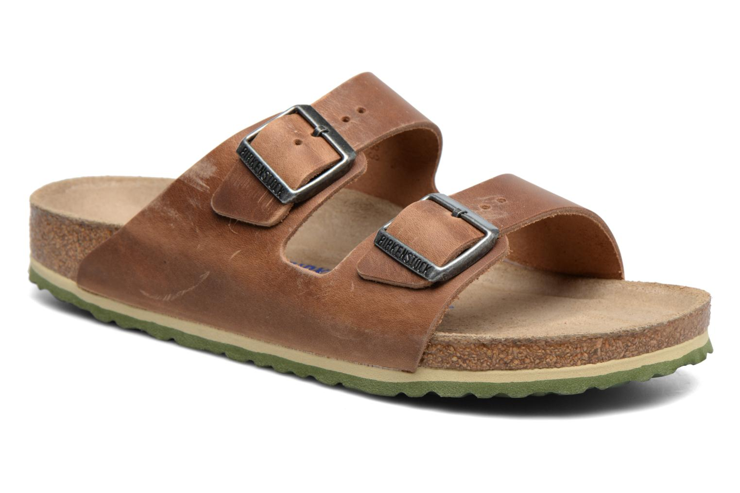 Sandals Birkenstock Arizona Cuir M Brown detailed view/ Pair view