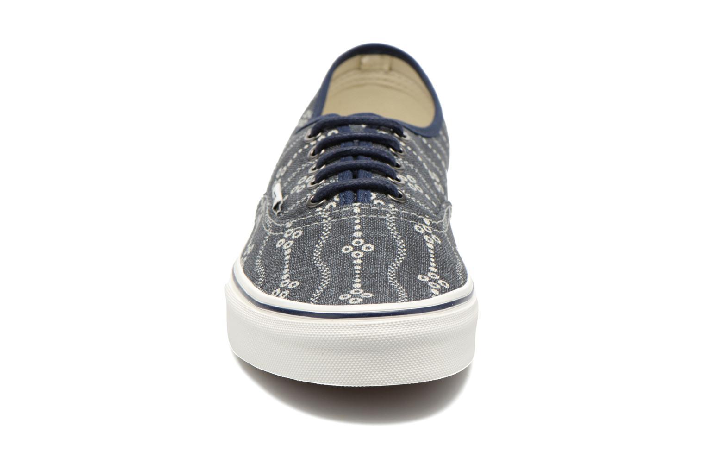 Baskets Vans Authentic Bleu vue portées chaussures