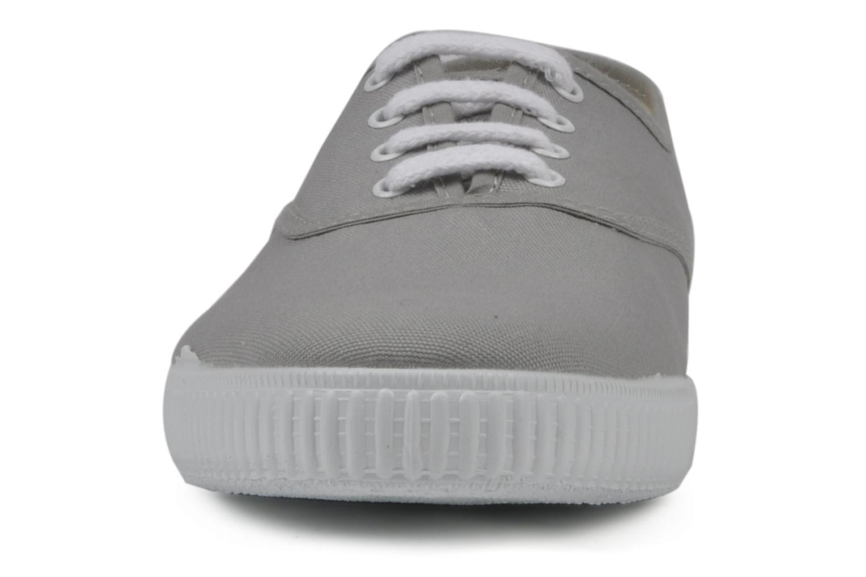 Baskets Victoria Victoria M Gris vue portées chaussures