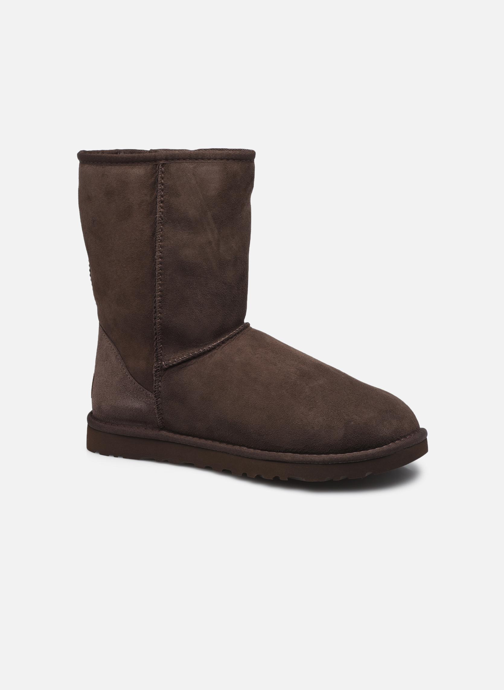 Bottines et boots UGG Classic Short M Marron vue détail/paire