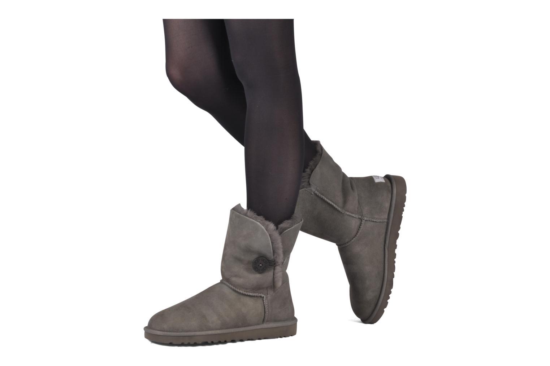 Bottines et boots UGG Bailey Button Gris vue bas / vue portée sac
