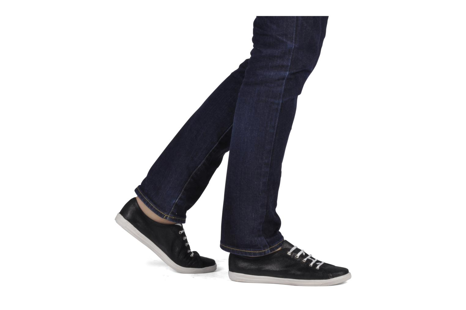 Trainers Jonak Aikan Black view from underneath / model view