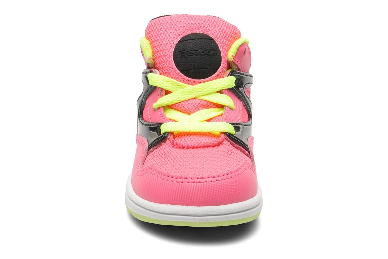 Baskets Reebok Versa Pump Omni Lite Rose vue portées chaussures