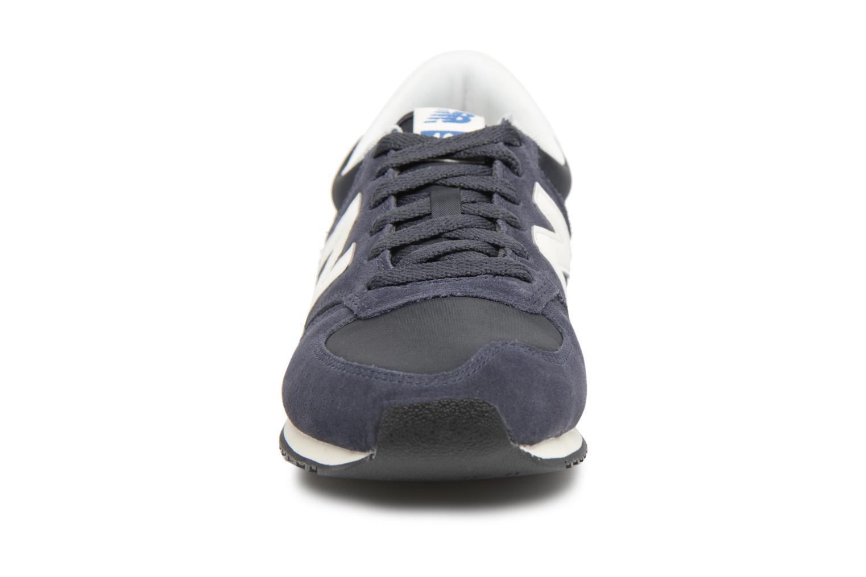 Trainers New Balance U420 Blue model view