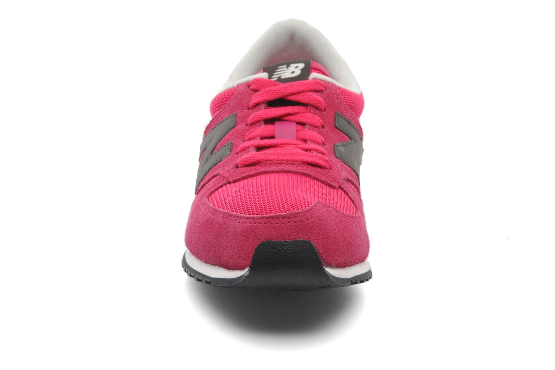 Baskets New Balance U420 W Rose vue portées chaussures