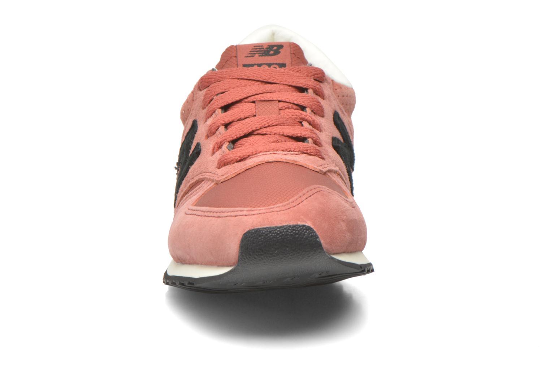 Baskets New Balance U420 W Bordeaux vue portées chaussures