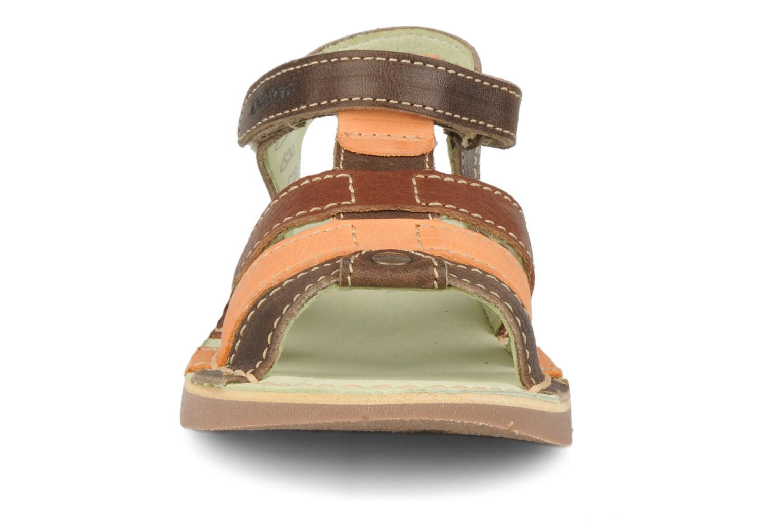 Sandales et nu-pieds Kickers Woops Marron vue portées chaussures