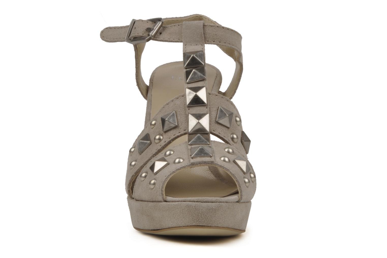 Sandales et nu-pieds Eden Oreade Beige vue portées chaussures