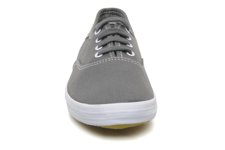 Sneaker Keds Champion Canvas grau schuhe getragen