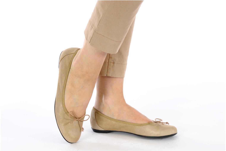 Ballerinas Valensi Vega beige ansicht von unten / tasche getragen