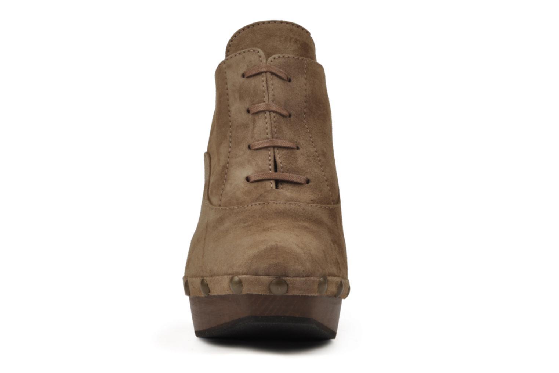 Chaussures à lacets Castaner Katia Marron vue portées chaussures
