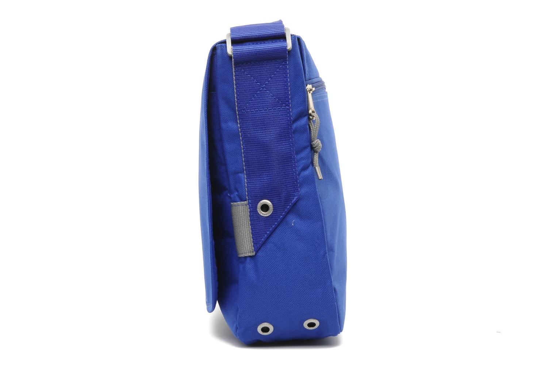 Porta PC Converse Messenger Bag Azzurro modello indossato