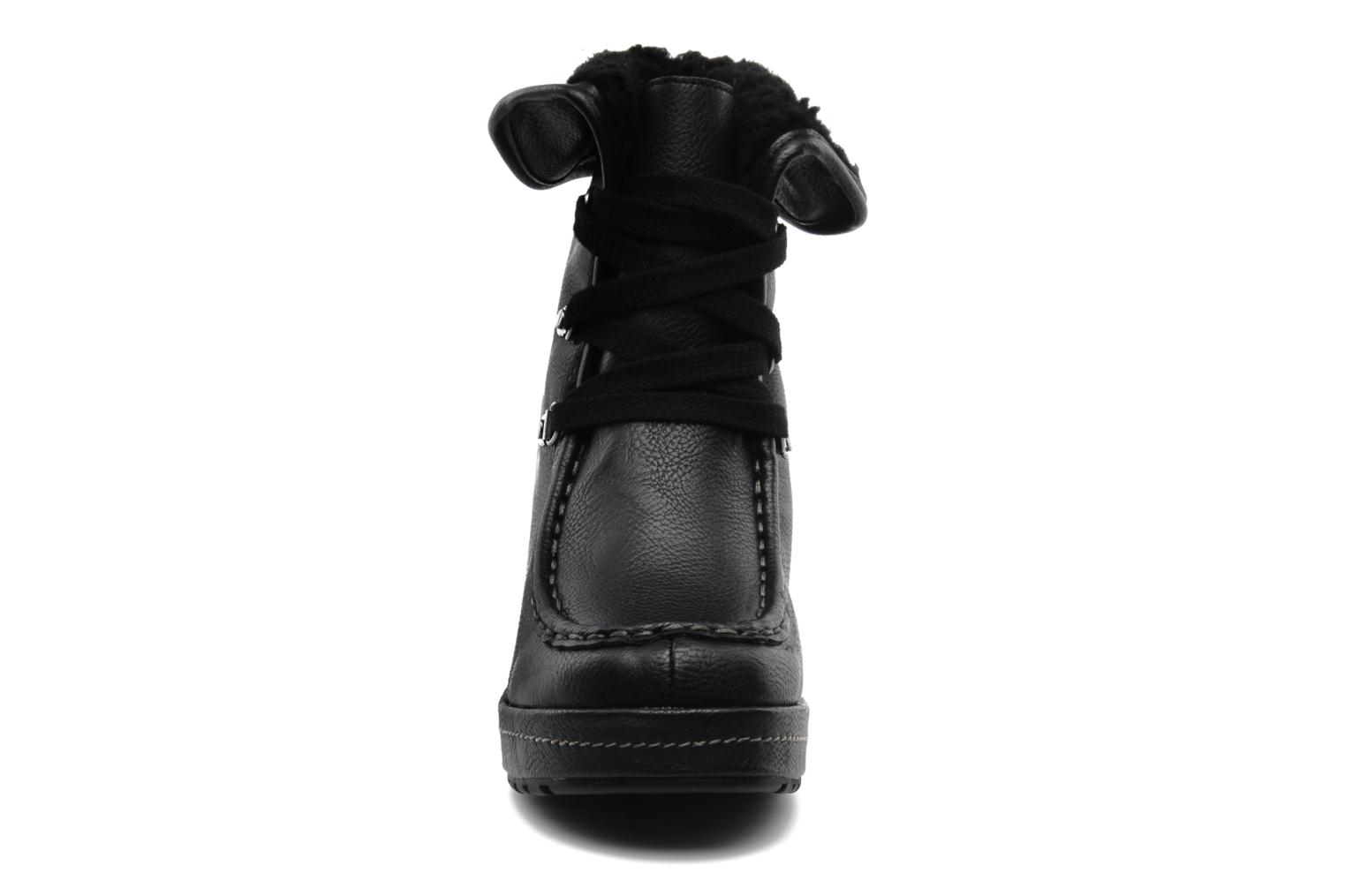 Ankle boots Rocket Dog Bonfire Black model view
