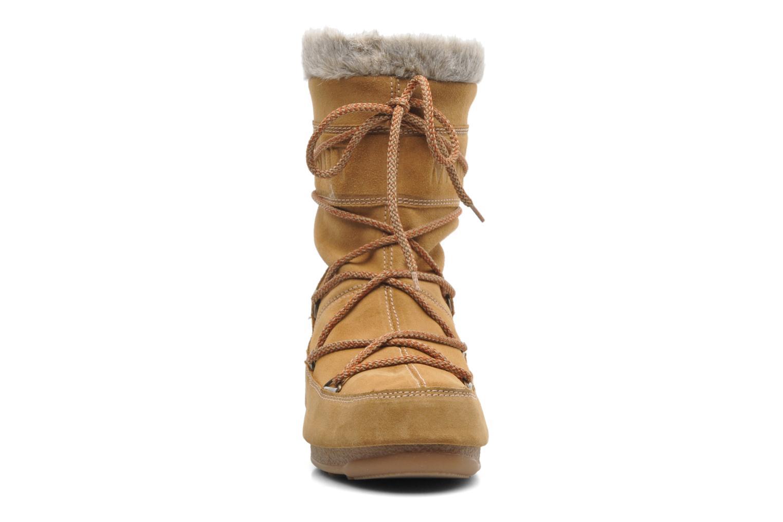 Boots Moon Boot Butter mid Brun bild av skorna på