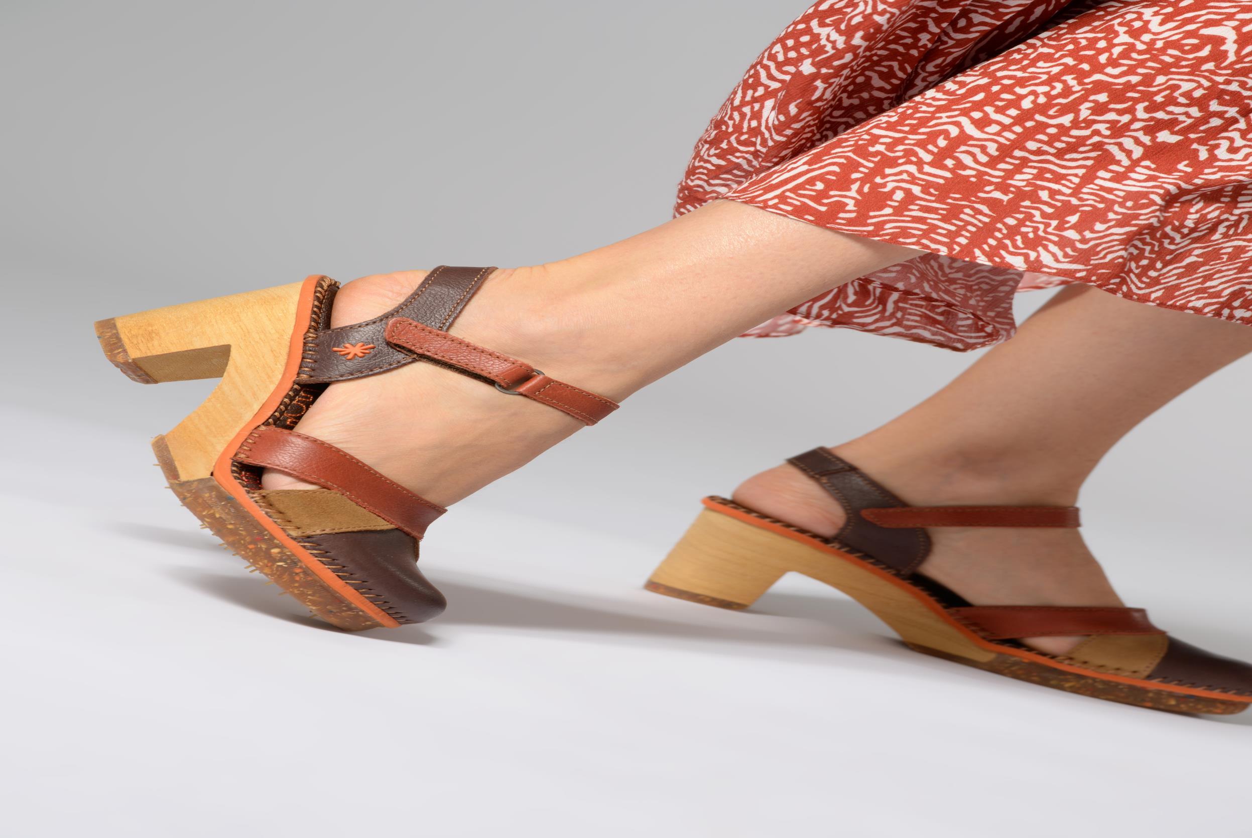 Sandales et nu-pieds Art Amsterdam 313 Multicolore vue bas / vue portée sac