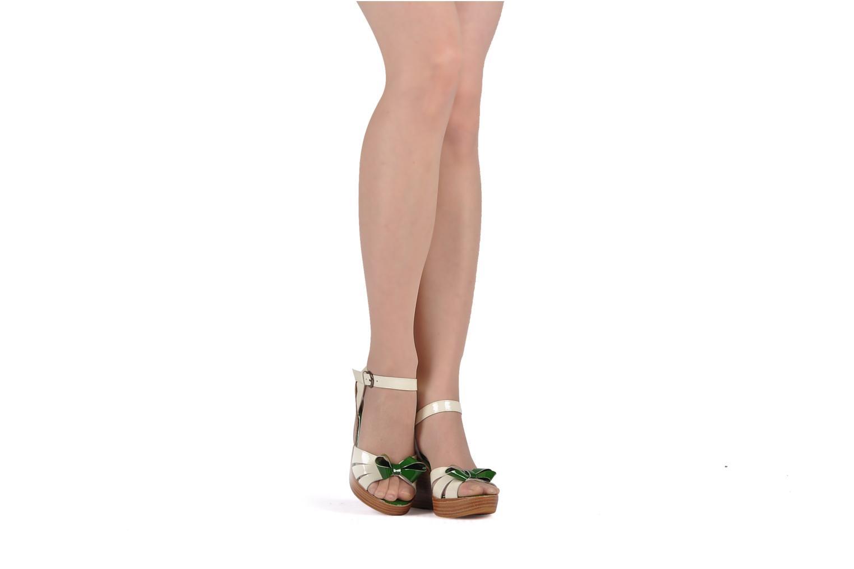Sandales et nu-pieds C.Petula Pink lady Blanc vue bas / vue portée sac