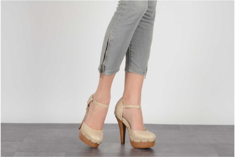 High heels Carvela Acorn Beige view from underneath / model view