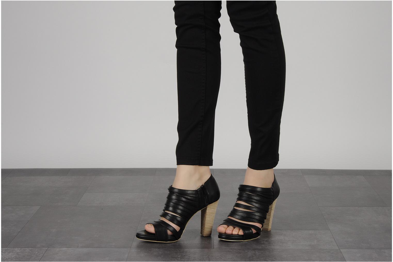 Stiefeletten & Boots Chocolate Schubar Viglio grau ansicht von unten / tasche getragen