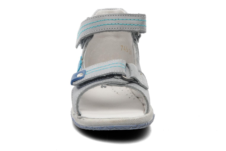 Sandales et nu-pieds Babybotte Tom Gris vue portées chaussures