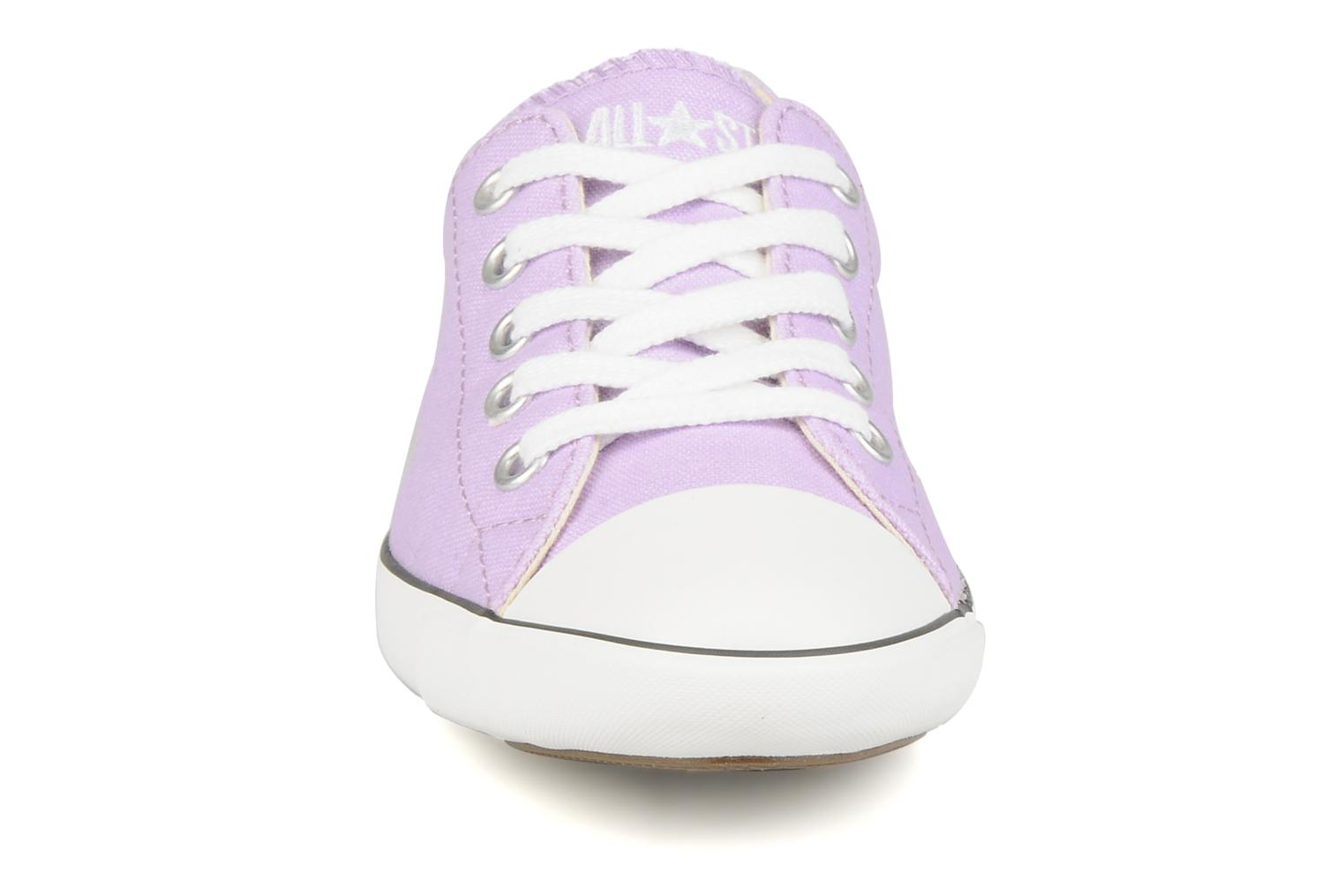 Baskets Converse All Star Light Canvas Ox W Violet vue portées chaussures
