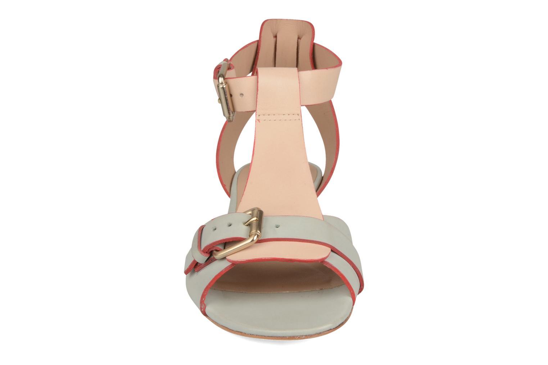 Sandalen Pour La Victoire Mali weiß schuhe getragen