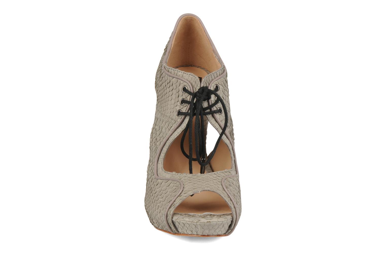 Sandals Pour La Victoire Rima Grey model view