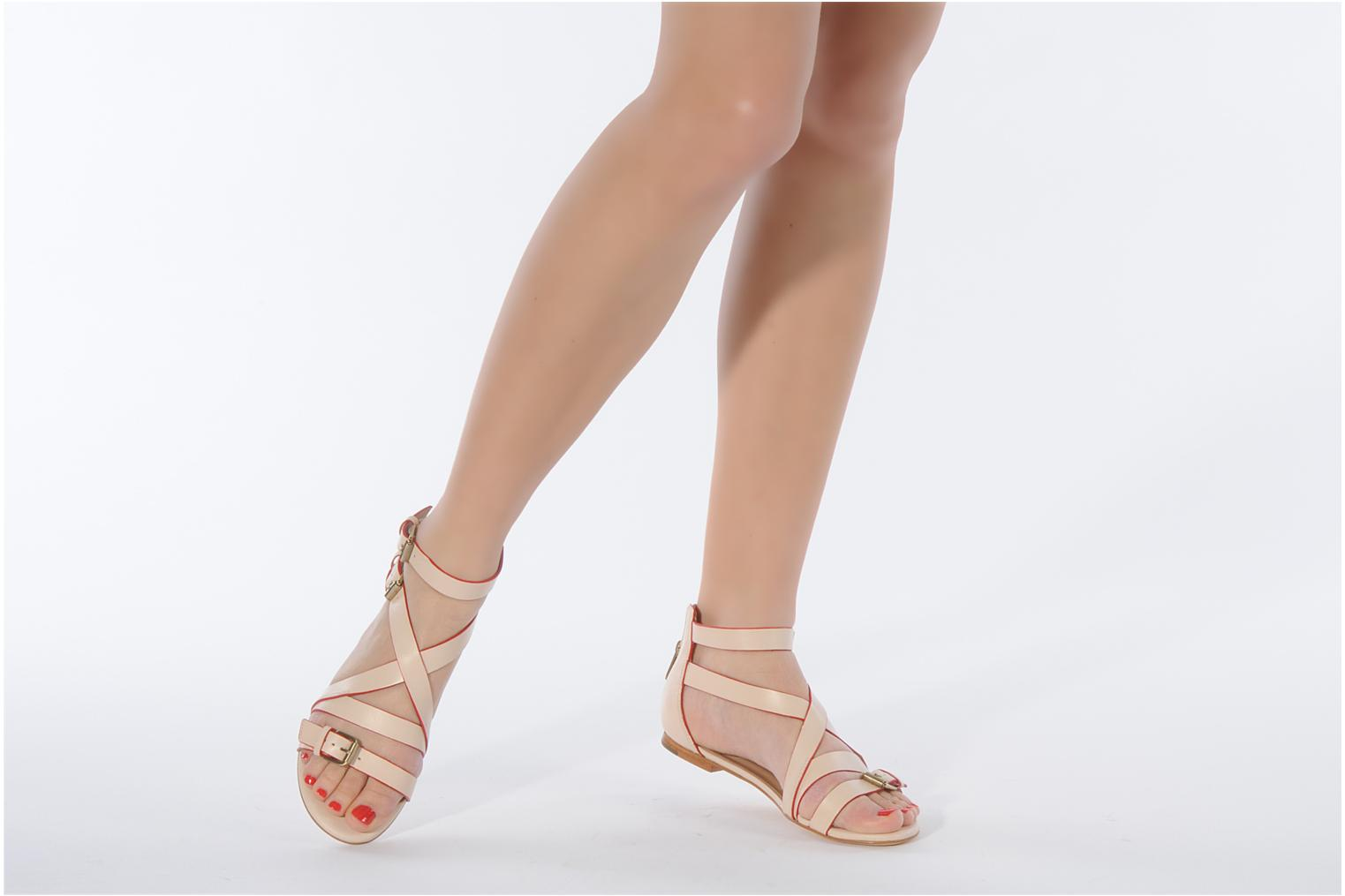 Sandals Pour La Victoire Bryn Beige view from underneath / model view