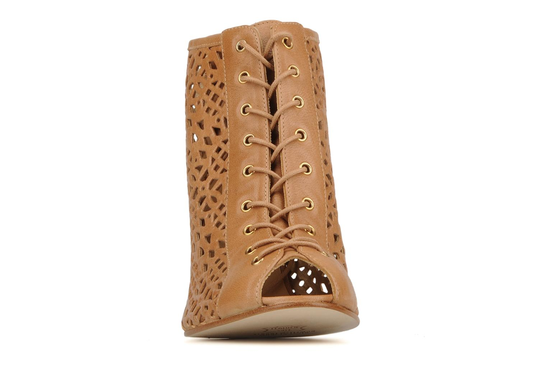 Bottines et boots Stuart Weitzman Perfbootie Beige vue portées chaussures
