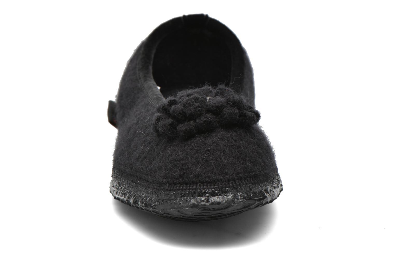 Hausschuhe Giesswein Laubach schwarz schuhe getragen