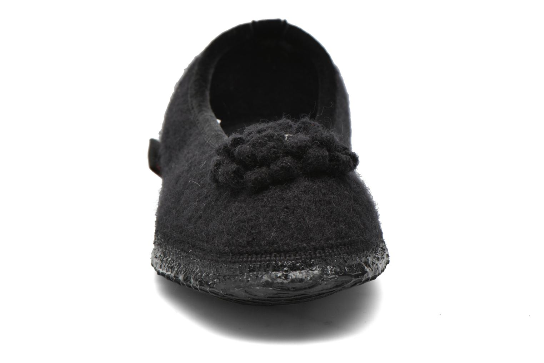 Chaussons Giesswein Laubach Noir vue portées chaussures
