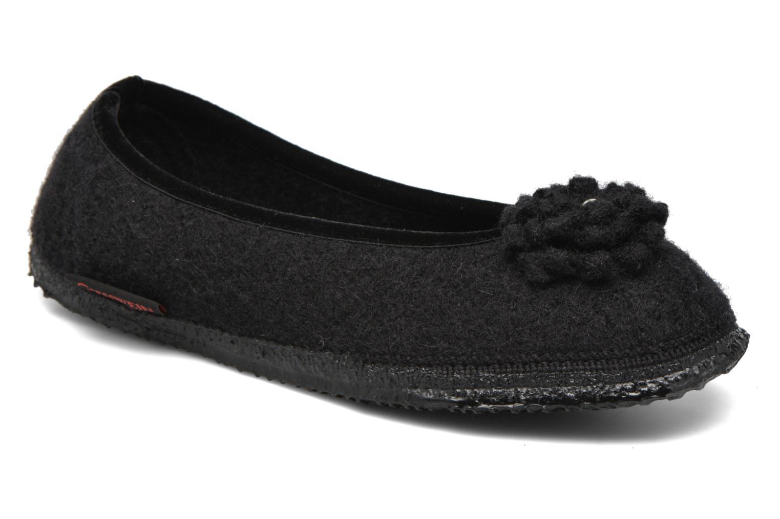 Slippers Giesswein Laubach Black detailed view/ Pair view