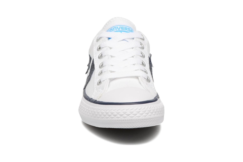 Sneakers Converse Star player canvas ox k Bianco modello indossato
