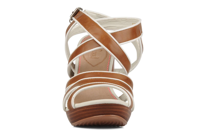 Sandales et nu-pieds Feud Willis Marron vue portées chaussures